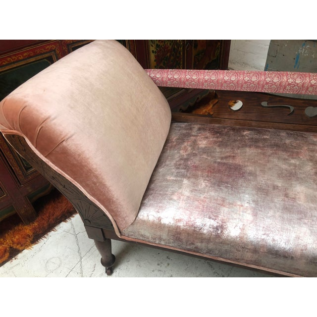 1920s Art Nouveau Plush Pink Chaise Lounge For Sale In Los Angeles - Image 6 of 11