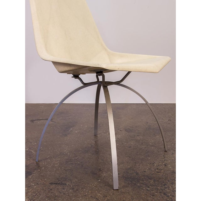 Paul McCobb White Origami Chair on Spider Base For Sale In New York - Image 6 of 9