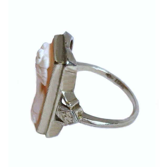 Art Deco 1920s Vintage Deco-Era 10k White Gold Cameo Ring For Sale - Image 3 of 5
