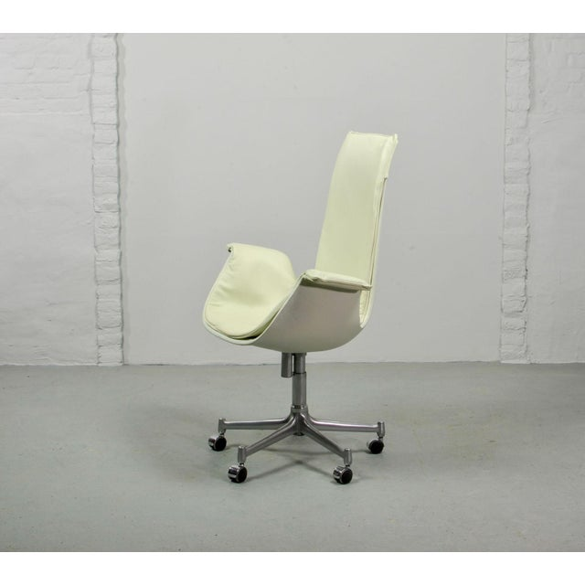 Mid-Century Modern Mid-Century Modern Design White Leather High Back 'Bird' Desk Chair by Preben Fabricius for Alfred Kill International, 1960s For Sale - Image 3 of 13