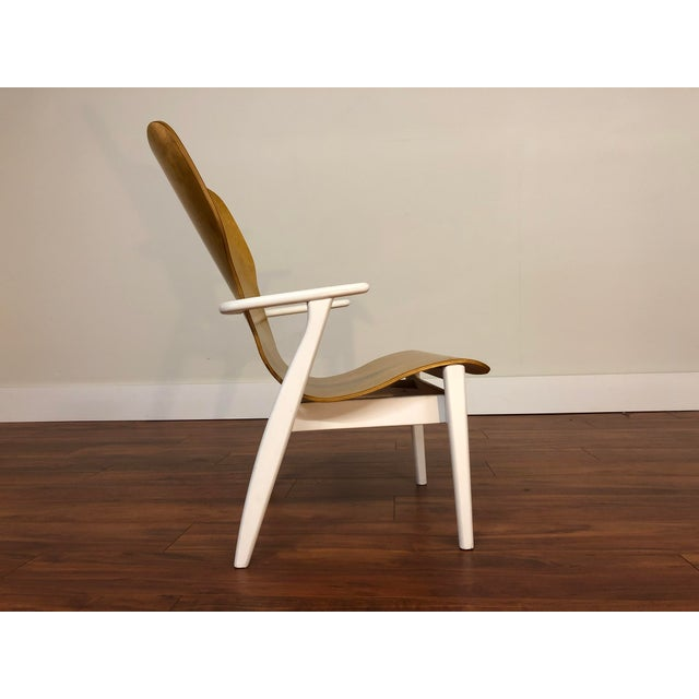 Designed in 1946 by Ilmari Tapiovaara, the Domus chair is a beautiful and simple design. With a wood frame and a single...