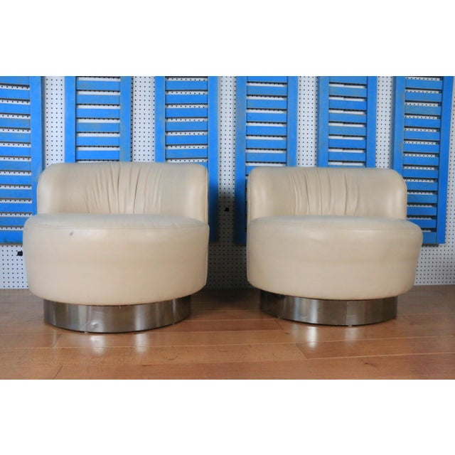 Milo Baughman 1970s Leather and Chrome Base Styled After Milo Baughman For Sale - Image 4 of 4