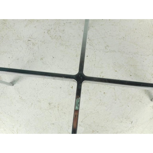 """Mid-Century Modern """"X"""" Base Circular Chrome Coffee Table For Sale In New York - Image 6 of 6"""