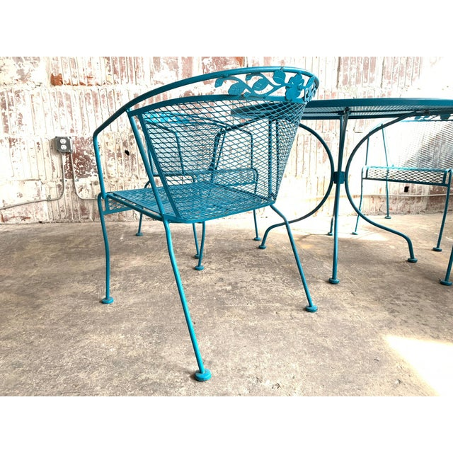 Hollywood Regency Vintage Wrought Iron Patio Set in the Manner of Russell Woodard For Sale - Image 3 of 9