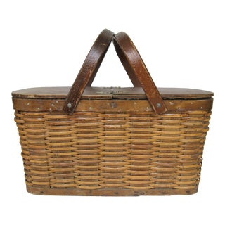Vintage Wicker Hawkeye Picnic Basket For Sale