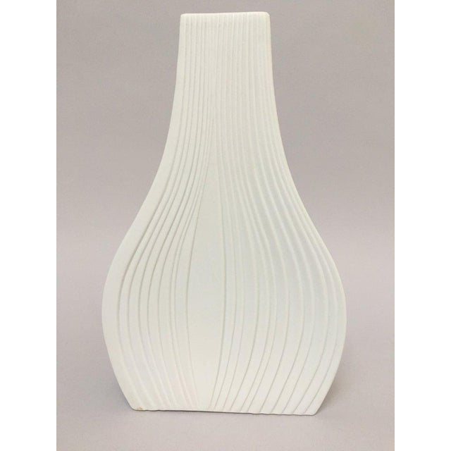White Modernist Bisque Porcelain Naaman Onion Vase For Sale - Image 4 of 11