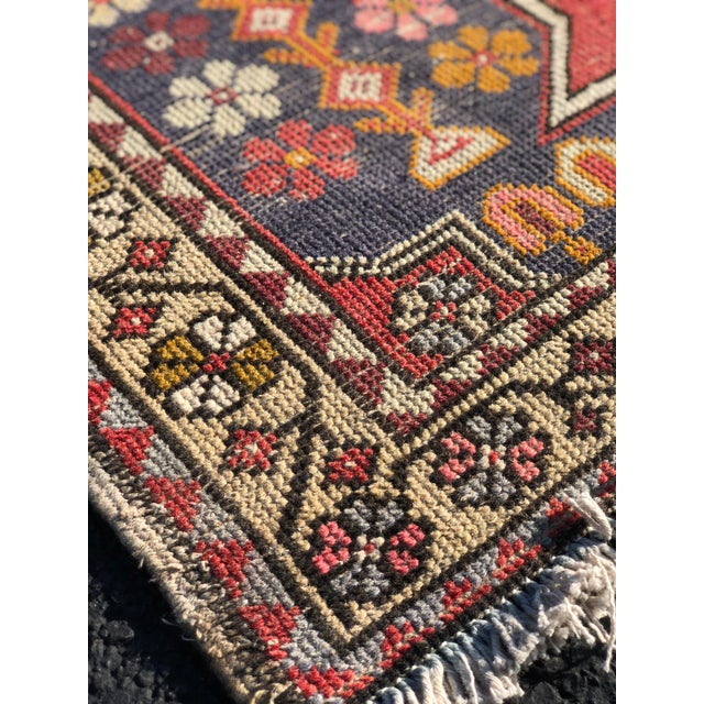 1950s Vintage Turkish Rug - 4′6″ × 9′ For Sale - Image 10 of 13