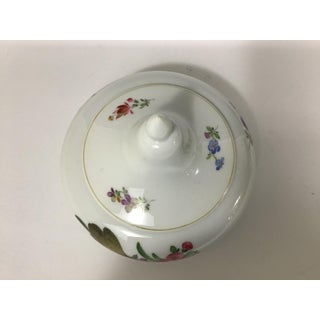 Vintage Meissen Porcelain Round Trinket Box With Flowers Preview