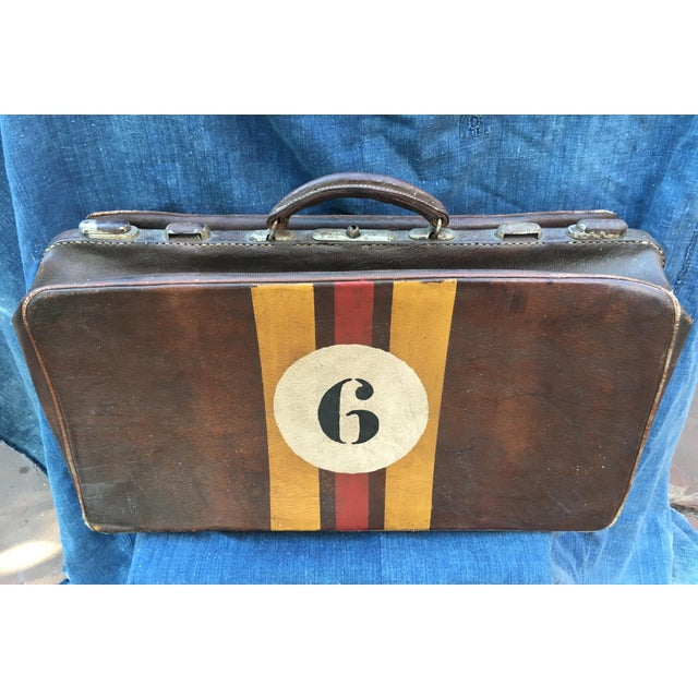 English Traditional 1940's English Leather Suitcase For Sale - Image 3 of 9
