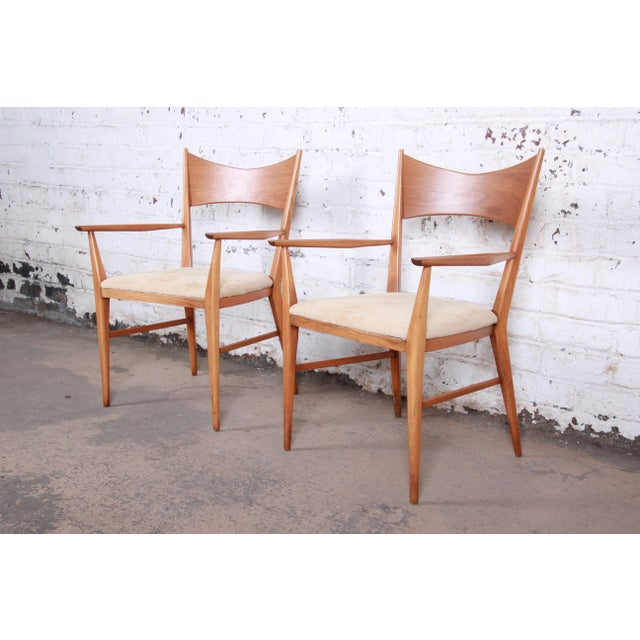 Contemporary Paul McCobb for Calvin Mid-Century Modern Sculpted Walnut Bow Tie Armchairs - a Pair For Sale - Image 3 of 9