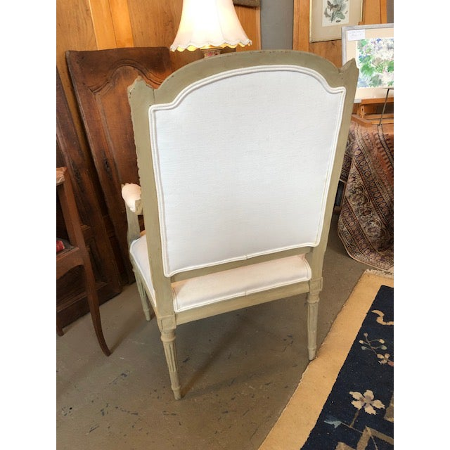 1900s Vintage Louis VI Style Gray Painted Bergere For Sale - Image 4 of 9