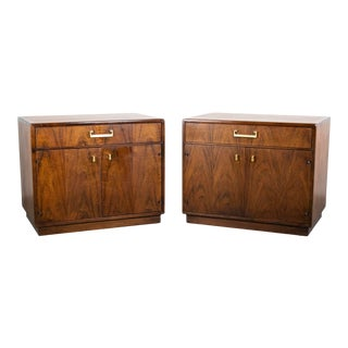 Pair of Jack Cartwright for Founders Walnut Nightstands or Side Tables For Sale