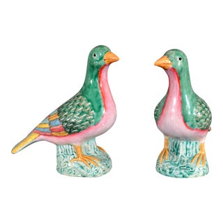 Chinese Export Porcelain Figures of Doves For Sale