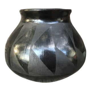 1960s Boho Chic San Ildefonso Pueblo Indian Vase For Sale