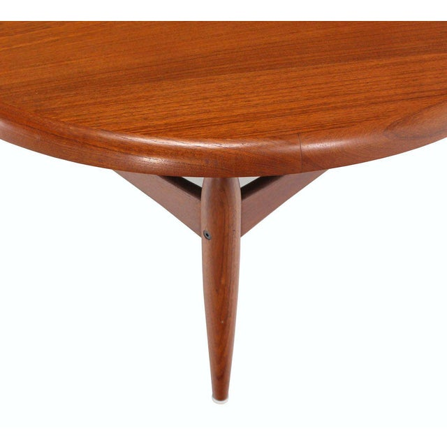 Early 20th Century Reversible Flip-Top Danish Modern Round Teak Coffee Table For Sale - Image 5 of 9