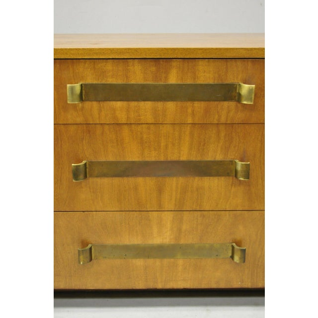 Mid-Century Modern John Stuart Mid Century Modern Art Deco Birch Dresser For Sale - Image 3 of 13