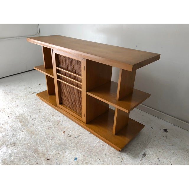 1970s Midcentury Modern Sofa Table Book Case Maple Apartment Size For Sale - Image 5 of 7