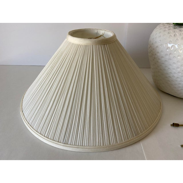 1970s Italian Strawberry Lamp & Shade For Sale - Image 5 of 10
