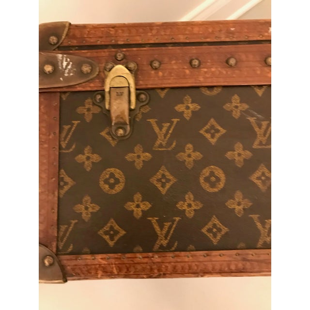 Leather 1930s Louis Vuitton Leather Trunk or Suitcase For Sale - Image 7 of 13