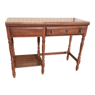 20th Century Ethan Allen Style Traditional Maple Wood Writing Desk For Sale