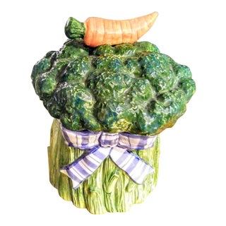Fitz and Floyd Vintage Vegetable Broccoli Carrot Ribbon Ceramic Canister Cookie Jar For Sale