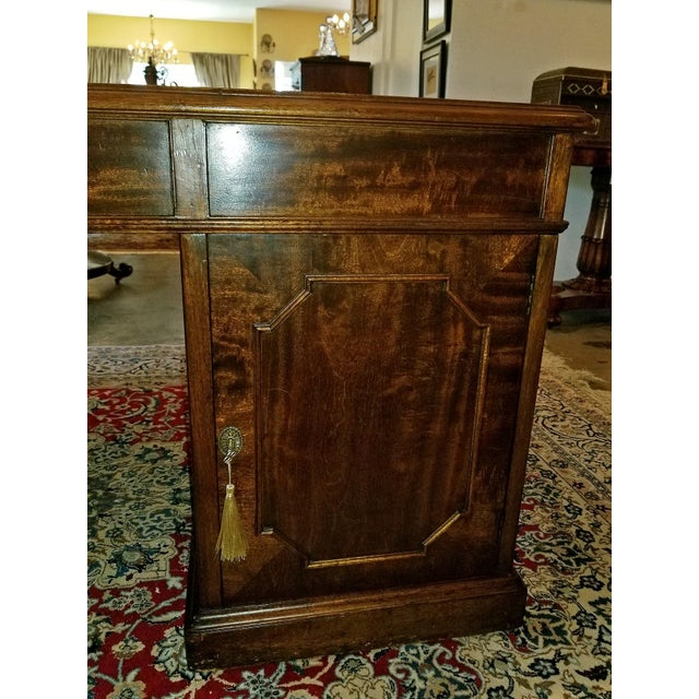 Early 19th Century William IV Mahogany Partners Desk For Sale In Dallas - Image 6 of 13