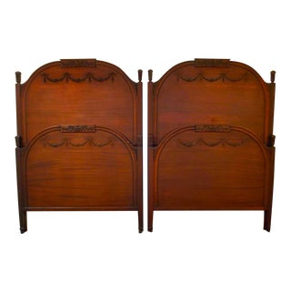 1900s English Antique Twin Beds - a Pair