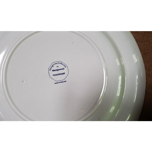 Late 20th Century Wedgwood Volendam Pattern China Georgetown Collection Dinner Plates - Set of 6 For Sale - Image 5 of 7