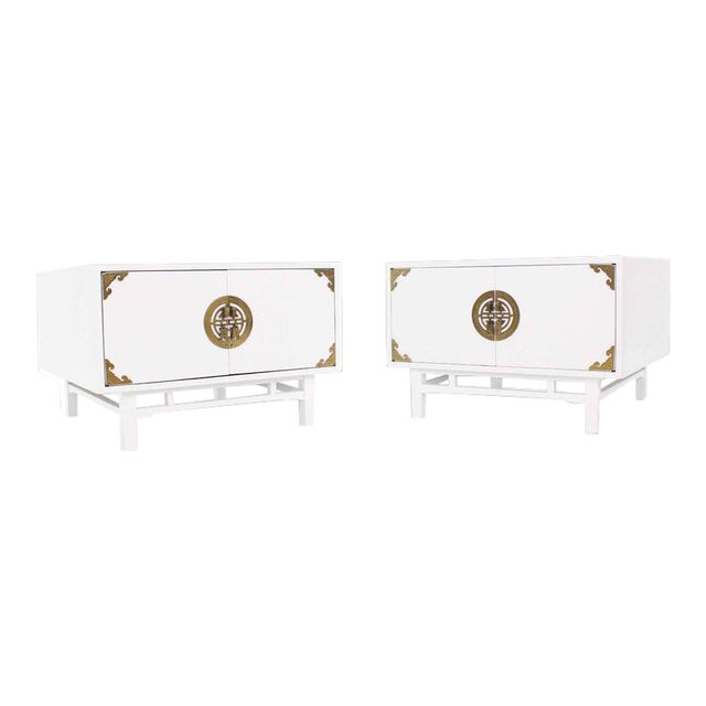 Vintage Mid Century Square White Lacquer End Tables Campaign Style Brass Pulls- a Pair For Sale