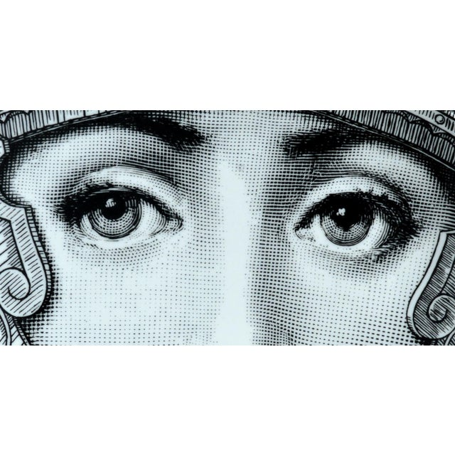 Contemporary Fornasetti Tema E Variazioni Plate, Number 95 For Sale - Image 3 of 3