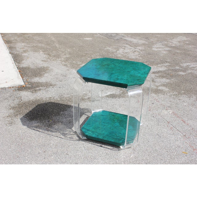 1970s Mid-Century Modern Green Emerald Burwood and Lucite Accent Table For Sale - Image 11 of 13