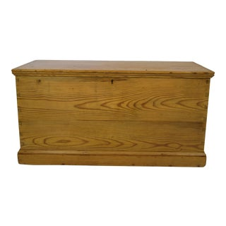 Late 19th-Century English Pine Blanket Chest W/Secret Compartment For Sale