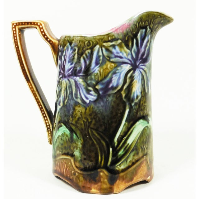 1900 - 1909 1900s Majolica Iris Pitcher Signed Onnaing For Sale - Image 5 of 5