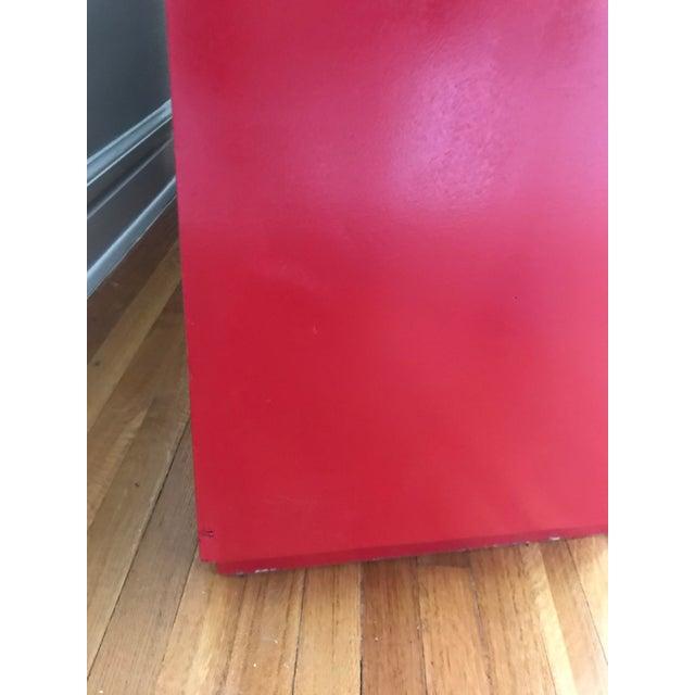Mid-Century Modern 1950s Mid Century Modern t.h Robsjohn Gibbings Chinese Red Chest For Sale - Image 3 of 8