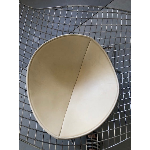 Metal Bertoia for Knoll Asymmetric Chaise For Sale - Image 7 of 8