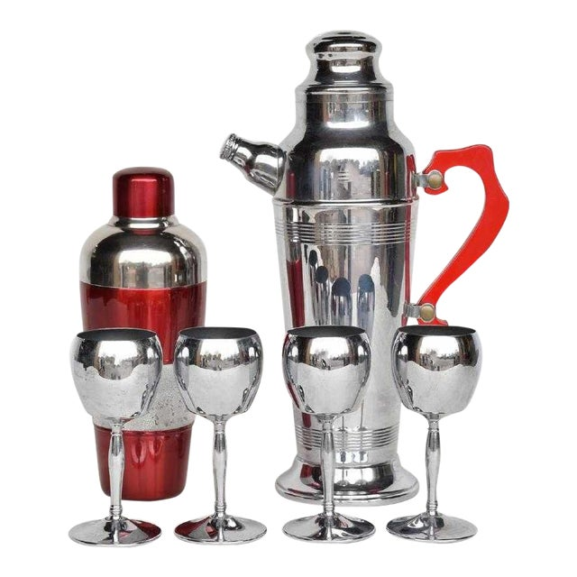 1940s Art Deco Chrome and Red Lucite Cocktail Shaker Set - 6 Pieces For Sale