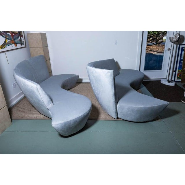 Late 20th Century Vladimir Kagan Bilbao Serpentine Sofas- a Pair For Sale - Image 9 of 11