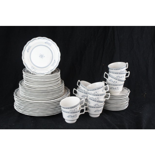 Royal Doulton of England Traditional Dinner China - 60 Pieces For Sale In New York - Image 6 of 10