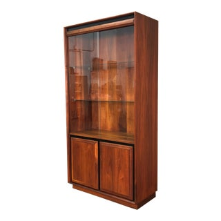 Milo Baughman for Dillingham Mid-Century Modern Walnut China Cabinet