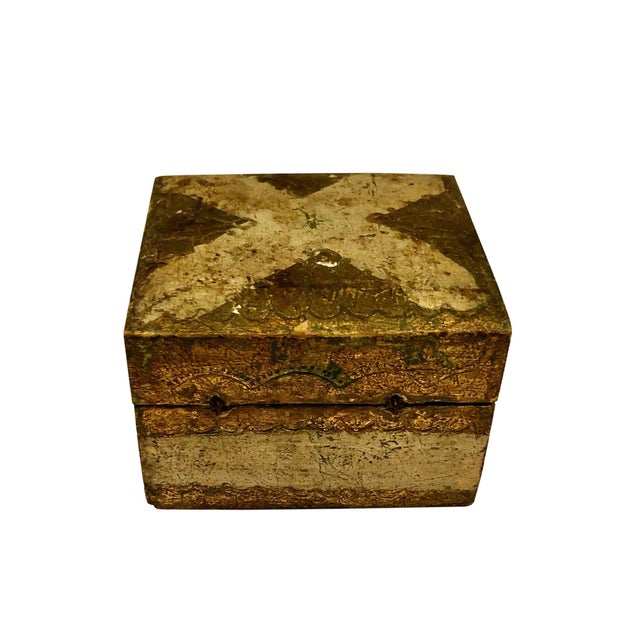 1900 - 1909 Antique Small Turn of the Century Florentine Box For Sale - Image 5 of 7