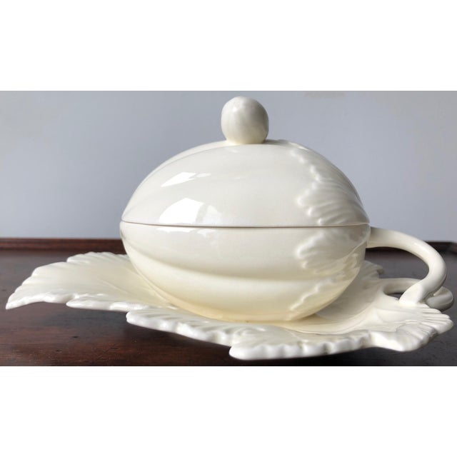 Vintage Wedgwood Creamware Melon Form Tureen-Leaf Underplate For Sale In New York - Image 6 of 10