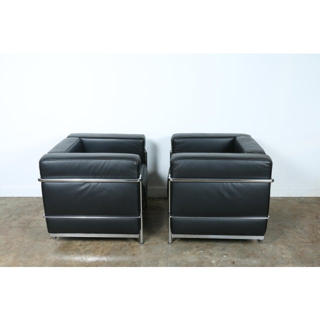 Le Corbusier Style Black Leather Club Chairs - A Pair - Image 6 of 11