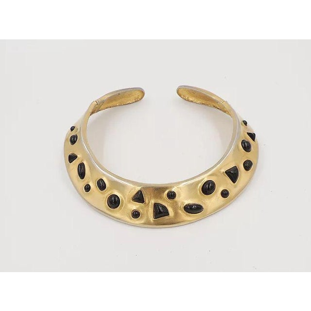 1980s Les Bernard Faux-Onyx Cabochon Collar Necklace For Sale In Philadelphia - Image 6 of 9