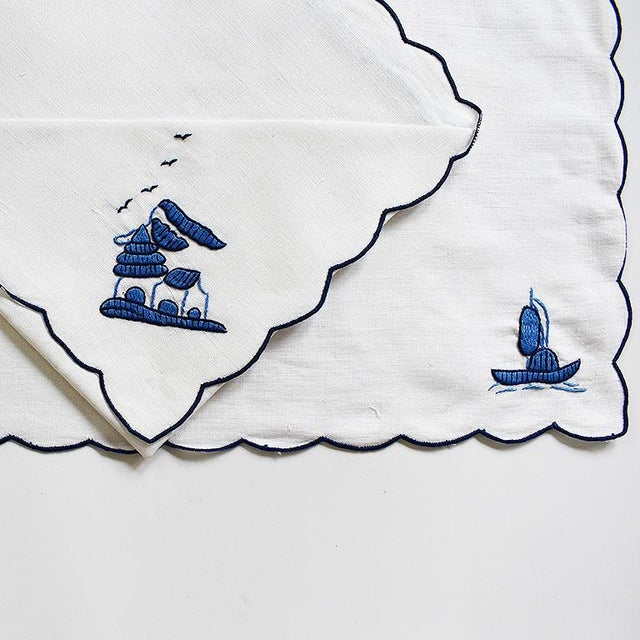Chinoiserie Chinoiserie Embroidered Linen Placemat and Napkin Set in Blue and White - Set of 8 For Sale - Image 3 of 4