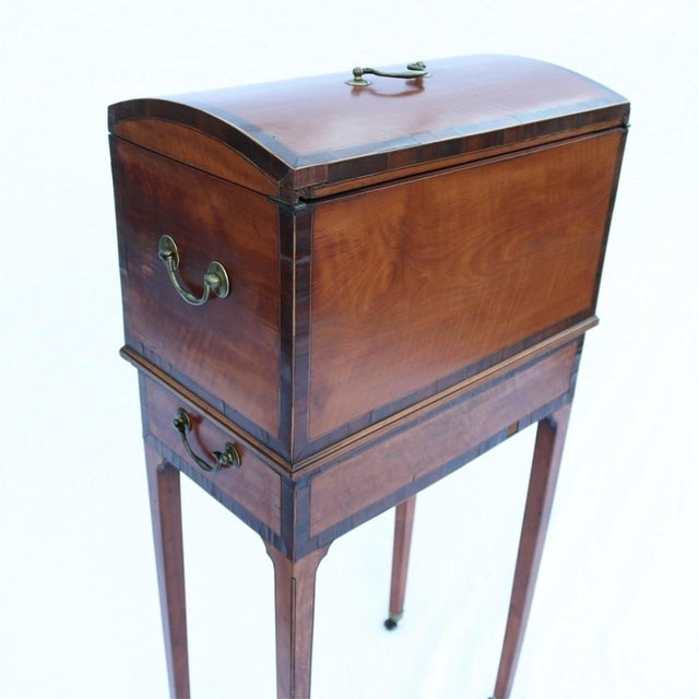 English Traditional Collinson & Lock 19th Century Humidor For Sale - Image 3 of 10