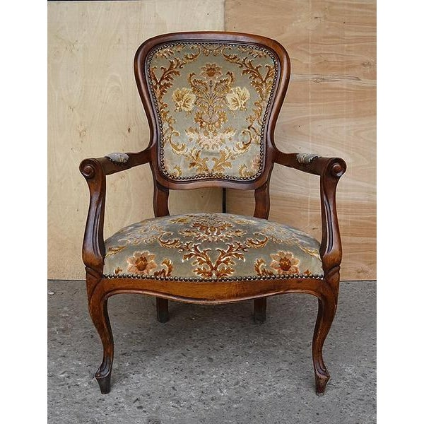Antique Elegant French Louis XV Style Original Floral Upholstery Walnut Armchair For Sale - Image 13 of 13