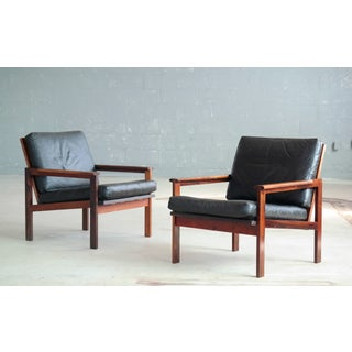 Pair of Danish Illum Wikkelsø Easy Chairs Model Capella in Rosewood and Leather Preview