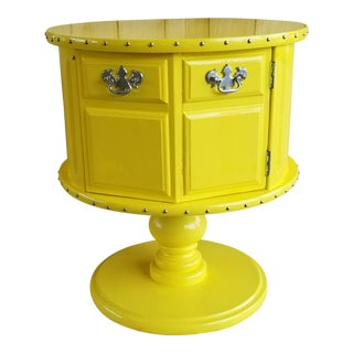 Mersman Side Table in Glossy Yellow