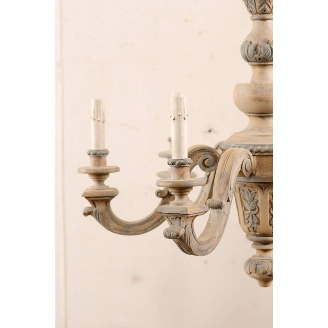 French Vintage Carved & Painted Wood Six-Light Chandelier in Light Beige & Grey For Sale In Atlanta - Image 6 of 9