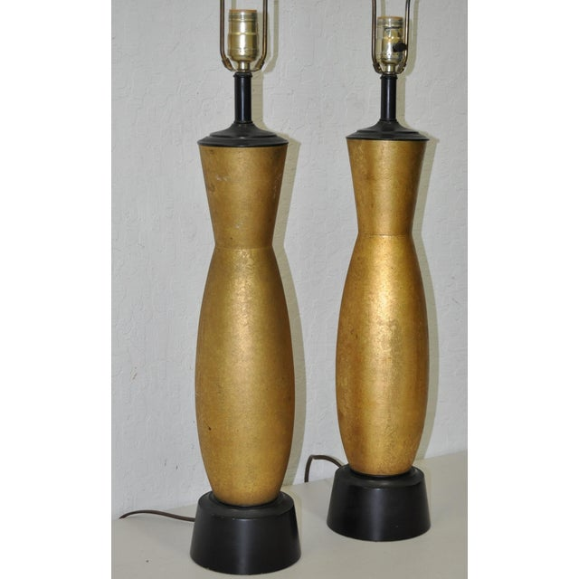 Pair of Mid-Century Gilded Hollywood Regency Table Lamps C.1950s For Sale - Image 4 of 6